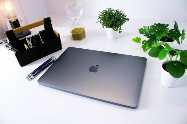 APPLE MACBOOK PRO A1708 i5-7360U 16GB 240GB SSD WQXGA