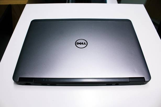 DELL E7240 i5-4300U 4GB 120GB SSD WIN 10 HOME