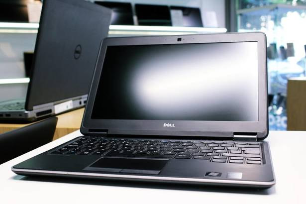 DELL E7240 i5-4300U 8GB 240GB SSD WIN 10 HOME