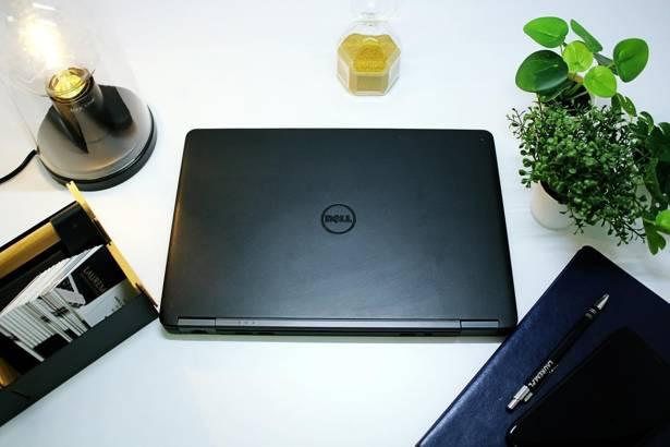 DELL E7250 i5-5300U 8GB 240GB SSD WIN 10 HOME
