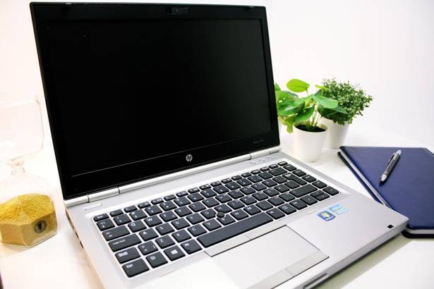 HP 8470p i5-3320M 8GB 500GB WIN 10 HOME